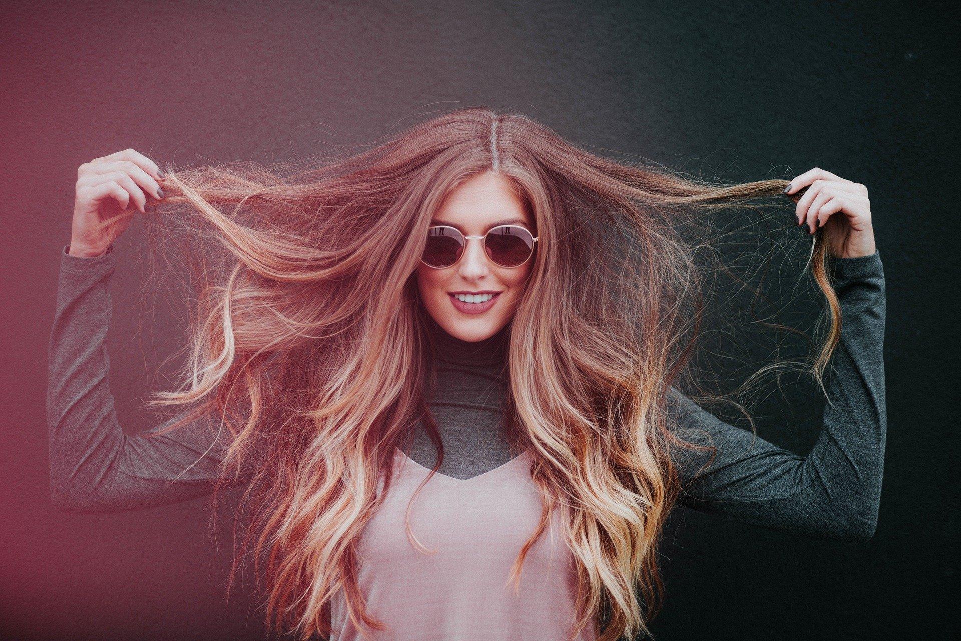 fille  aux cheveux long